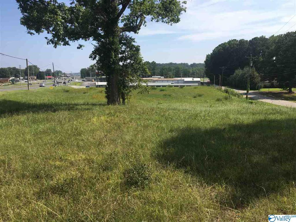 Photo of home for sale at 0 Us Hwy 31 N, Cullman AL