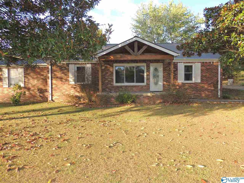 Photo of home for sale at 325 Coal Street, Sand Rock AL
