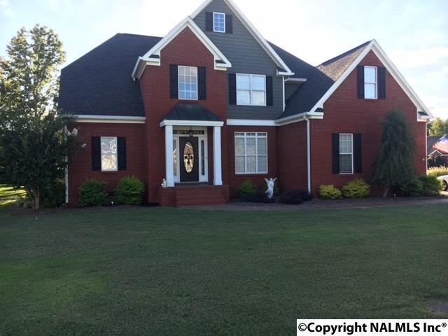 Photo of home for sale at Veranda Trace, Hokes Bluff AL