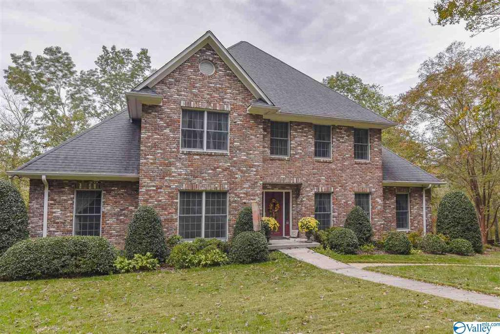 Photo of home for sale at 3109 County Road 1466, Cullman AL