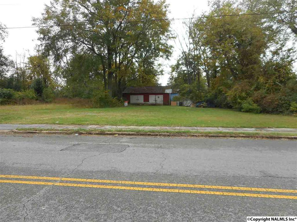 Photo of home for sale at Forrest Avenue, Gadsden AL