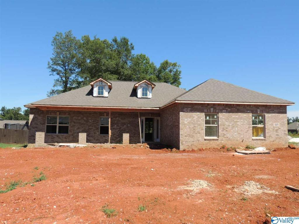 Photo of home for sale at 115 Grip Drive, Hazel Green AL