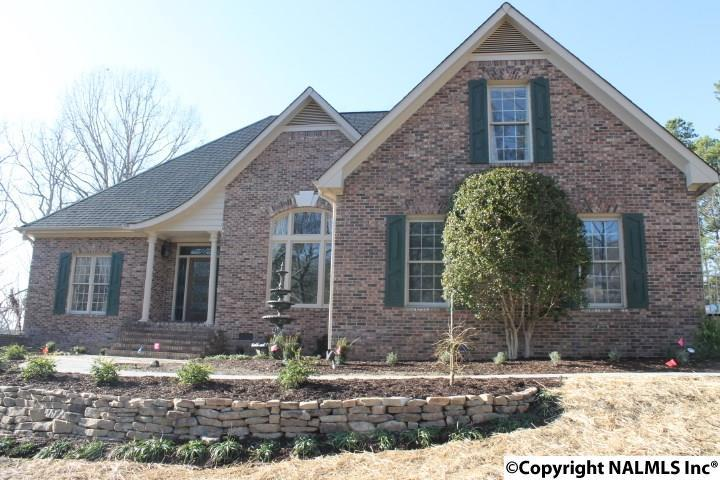 Photo of home for sale at Hill Circle, Fort Payne AL