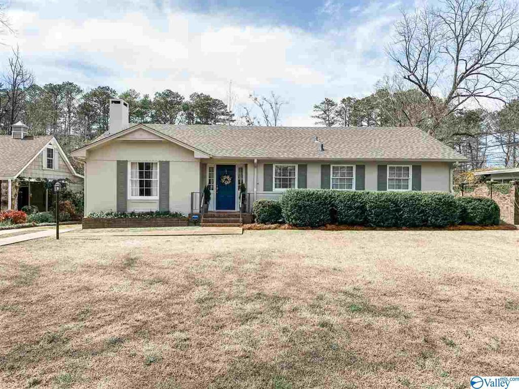 Photo of home for sale at 262 Sunnydale Road, Gadsden AL