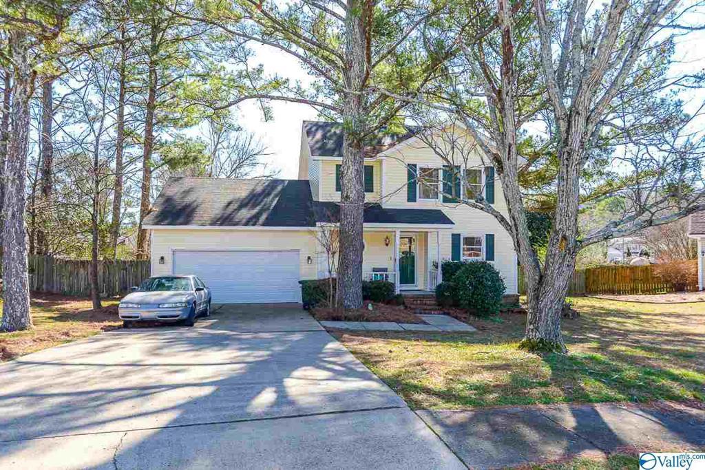 Photo of home for sale at 11120 Argent Drive, Huntsville AL