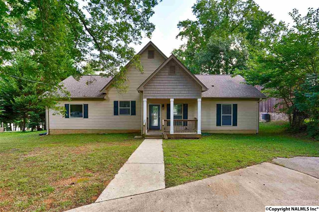 Photo of home for sale at Sergeant Holden Lane, Athens AL