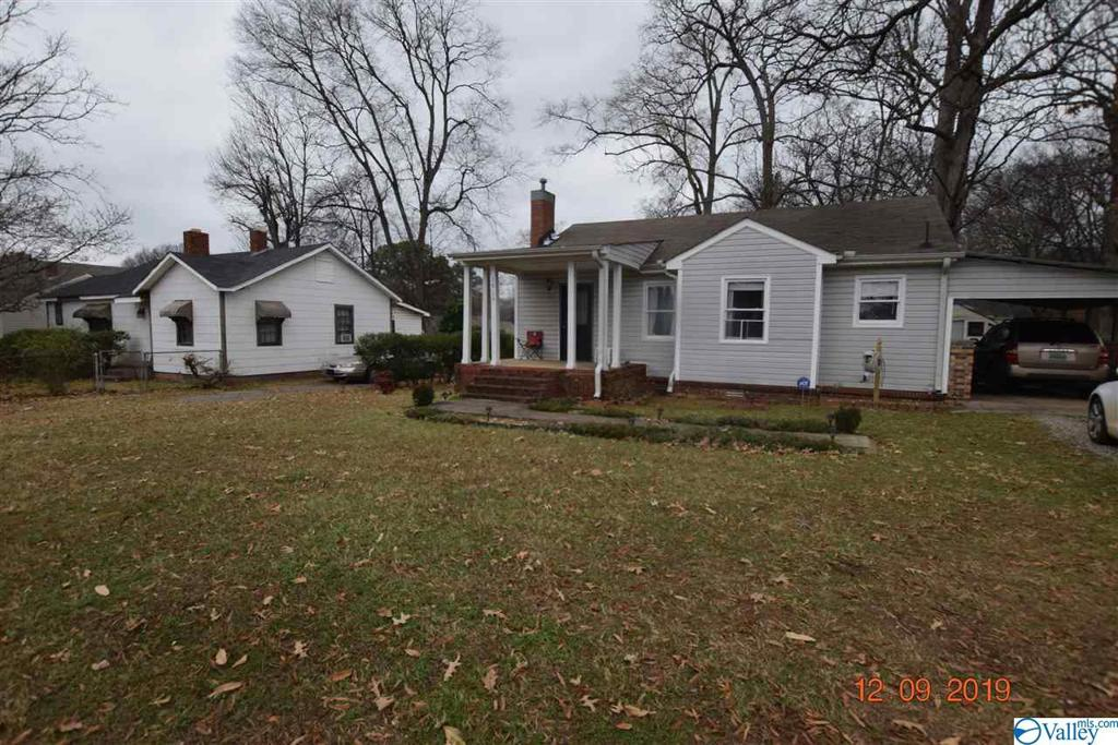 Photo of home for sale at 1616 8th Street SE, Decatur AL