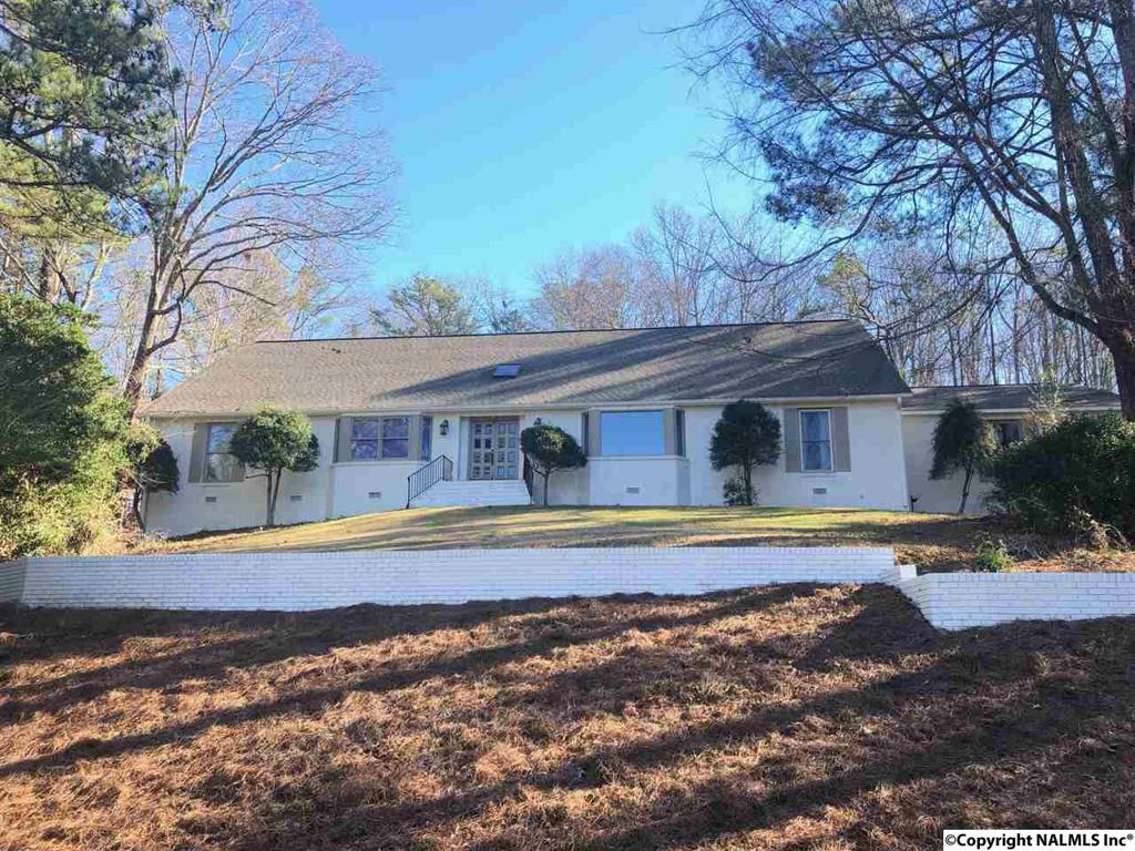 Photo of home for sale at Becky Drive, Gadsden AL
