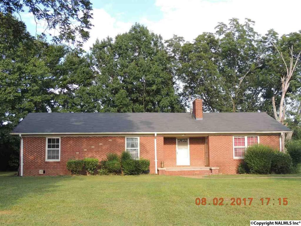 Photo of home for sale at 243 Hawkins Lane, Gurley AL