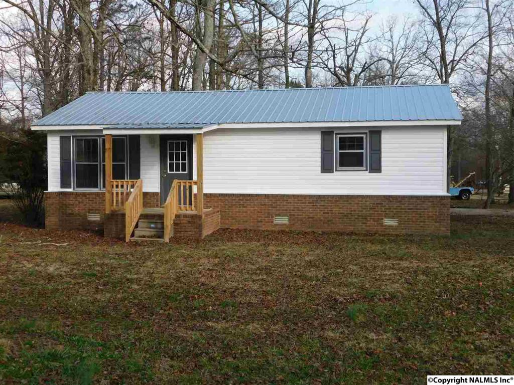 Photo of home for sale at Woodridge Circle, Rainsville AL