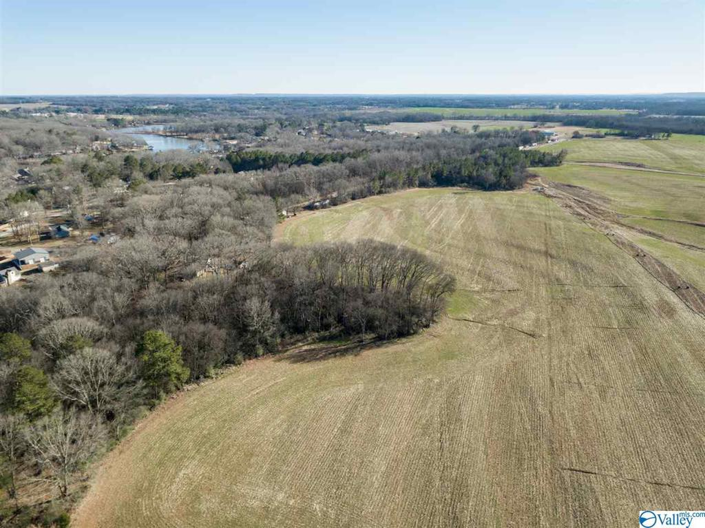 Photo of home for sale at 00 Dogwood Circle, Muscle Shoals AL