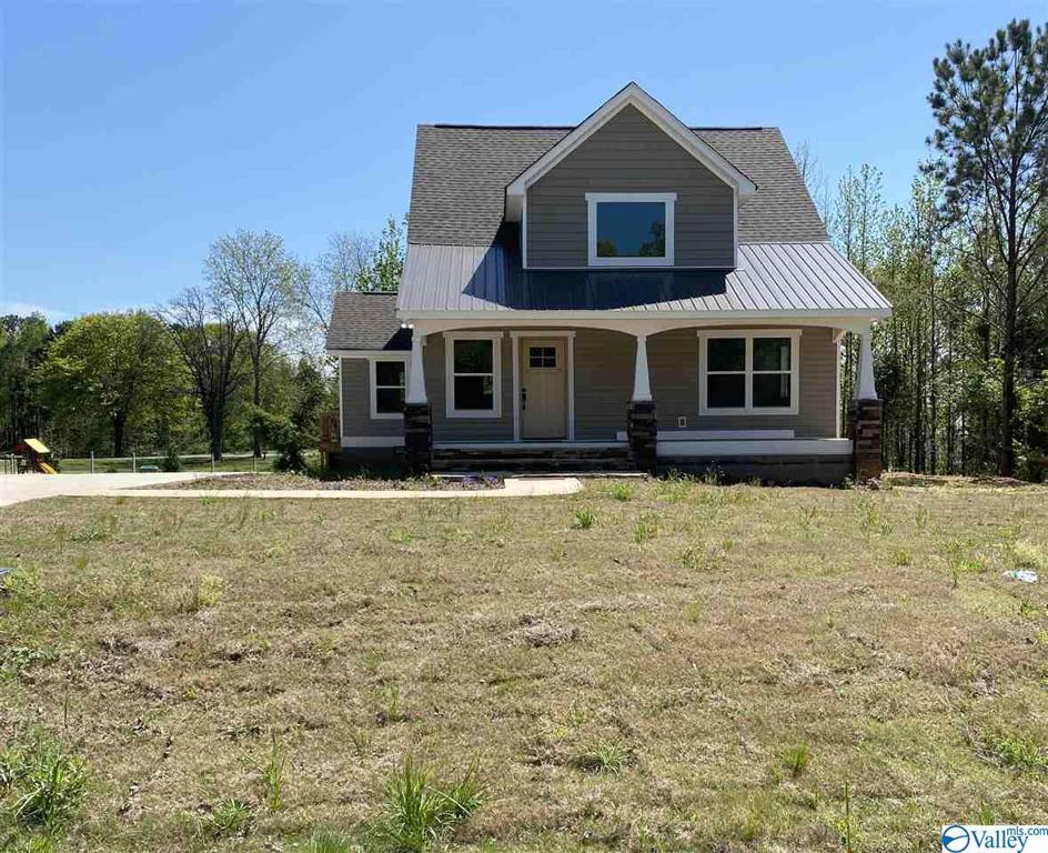 Photo of home for sale at 80 Stoney Brook Drive, Union Grove AL