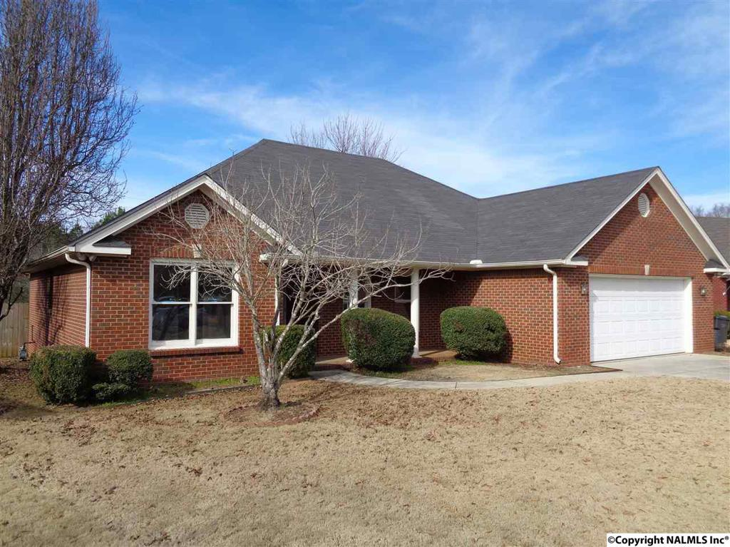 Photo of home for sale at Choctaw Drive, Decatur AL