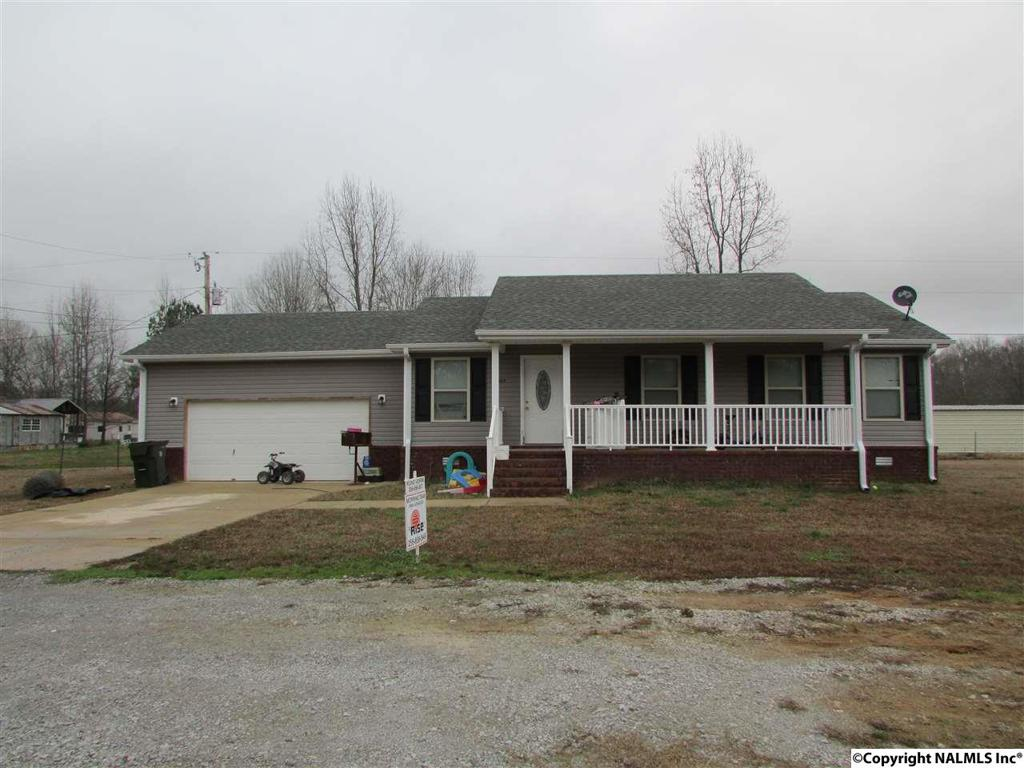 Photo of home for sale at Coggins Road, Ardmore AL