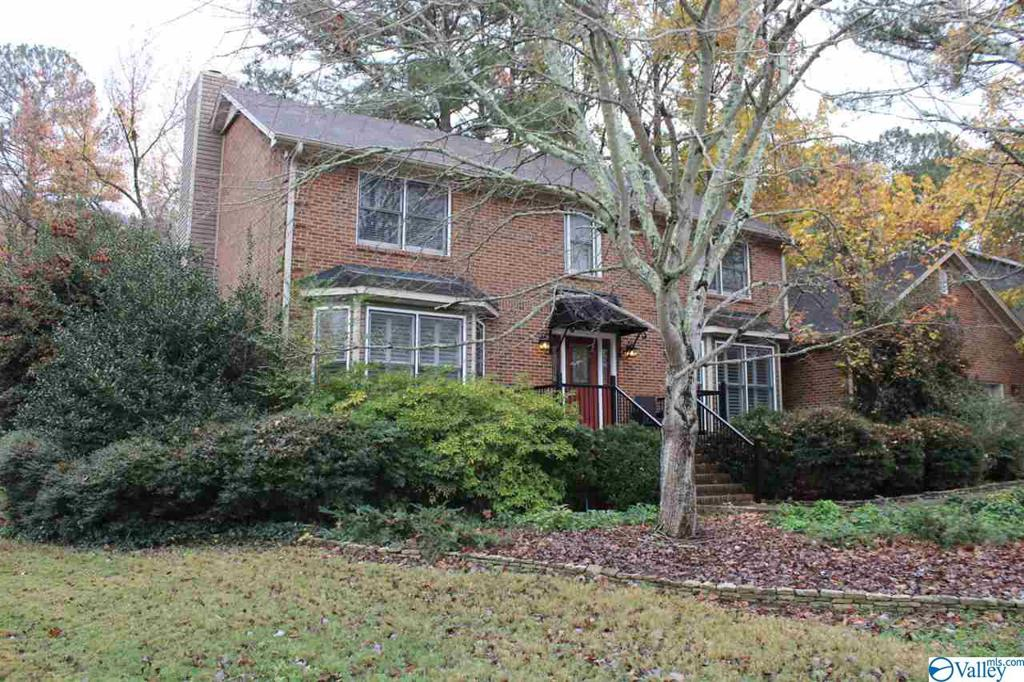 Photo of home for sale at 15009 Collier Drive, Huntsville AL