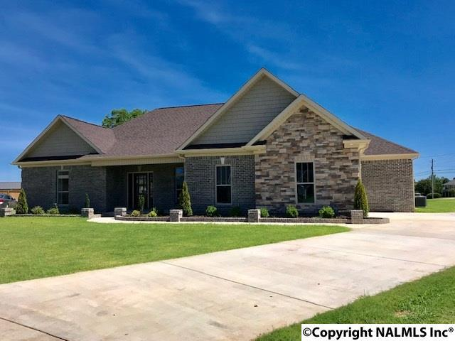 Photo of home for sale at 146 Shackleford Rd, Meridianville AL