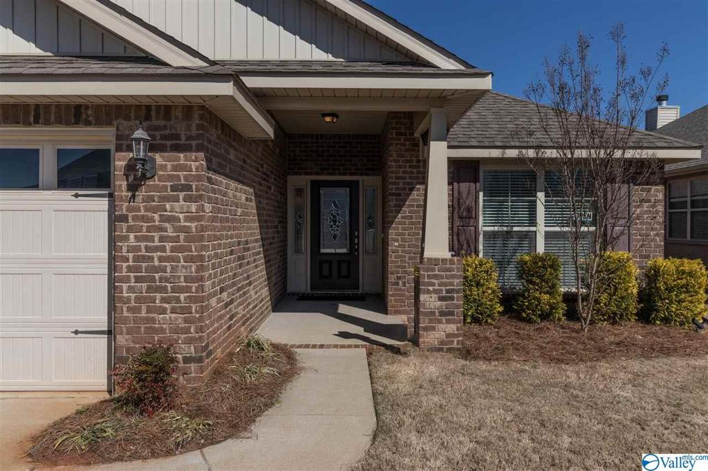 Photo of home for sale at 129 Ardsley Drive, Madison AL