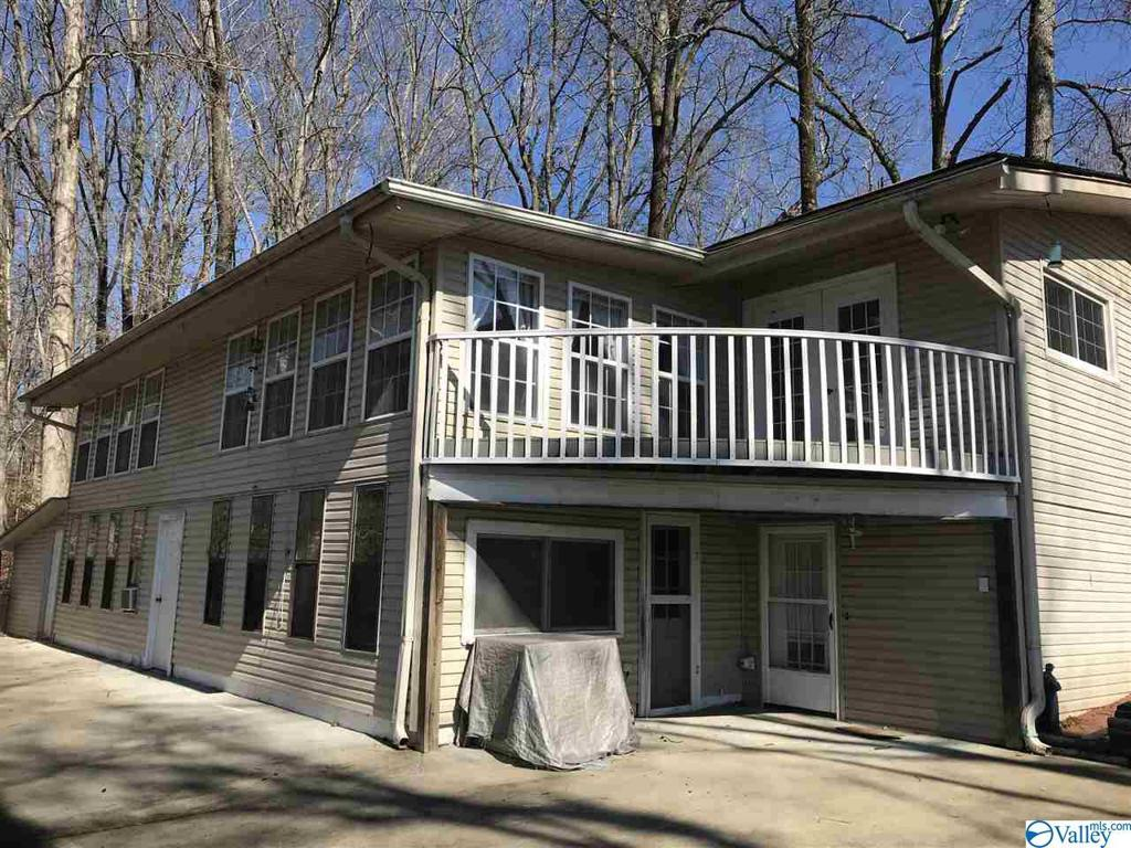 Photo of home for sale at 940 County Road 570, Rogersville AL