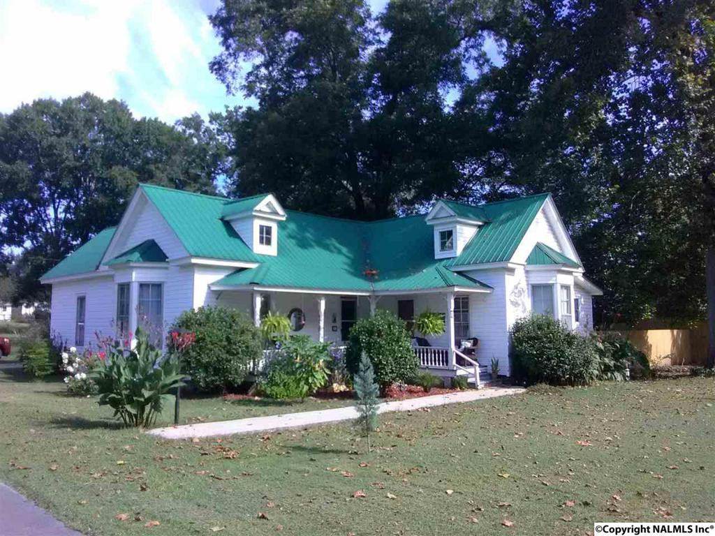 Photo of home for sale at Main Street, Gaylesville AL