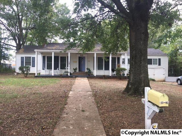 Photo of home for sale at 1105 9th Street Se, Decatur AL
