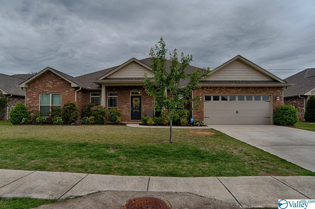 Photo of home for sale at 202 Beacher Court, Madison AL