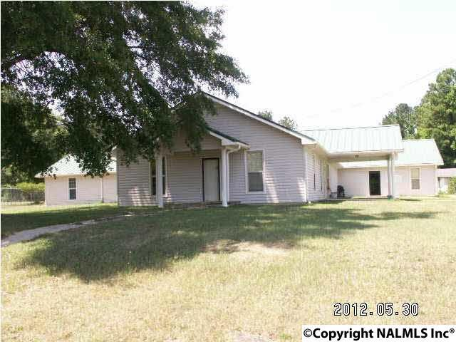 Photo of home for sale at Hwy 278 E, Gadsden AL