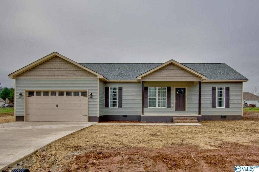 Photo of home for sale at 16907 Carter Circle, Athens AL