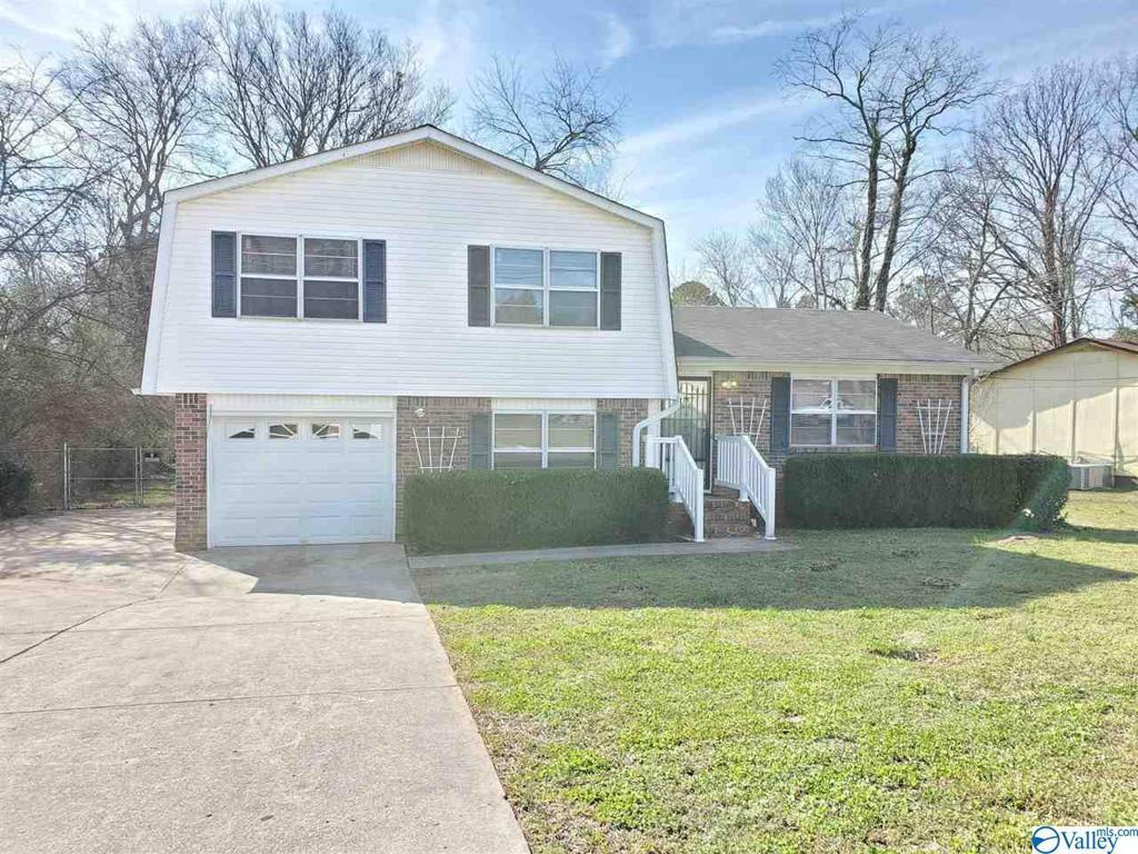 Photo of home for sale at 5032 Ortega Circle NW, Huntsville AL