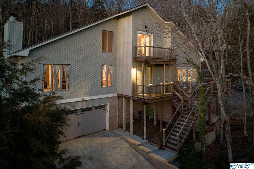 Photo of home for sale at 1719 Drake Avenue, Huntsville AL