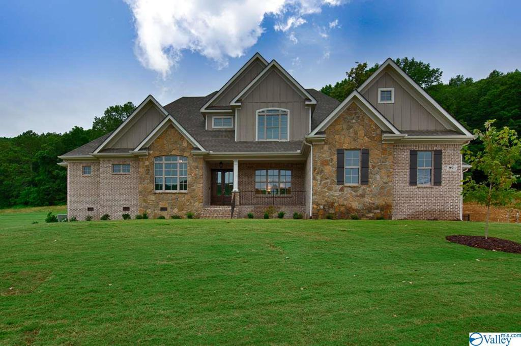 Photo of home for sale at 99 Mcmullen Lane, Gurley AL