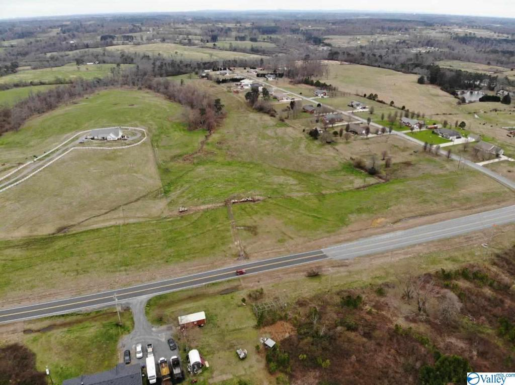 Photo of home for sale at Alabama Hwy 75, Crossville AL