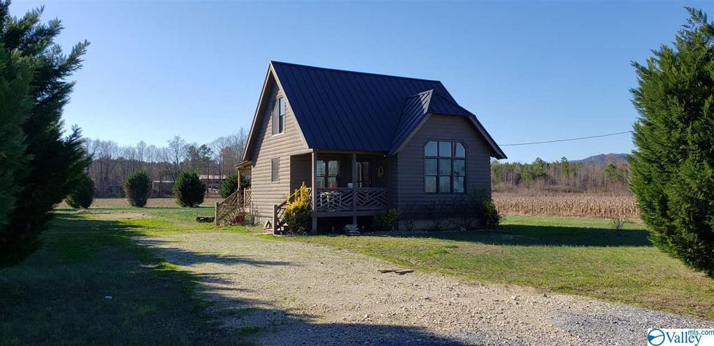 Photo of home for sale at 30 County Road 1028, Centre AL