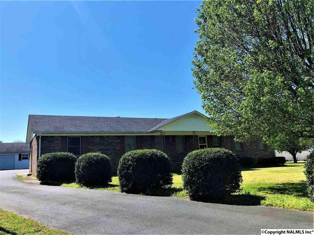 Photo of home for sale at Elkton Pike, Fayetteville TN