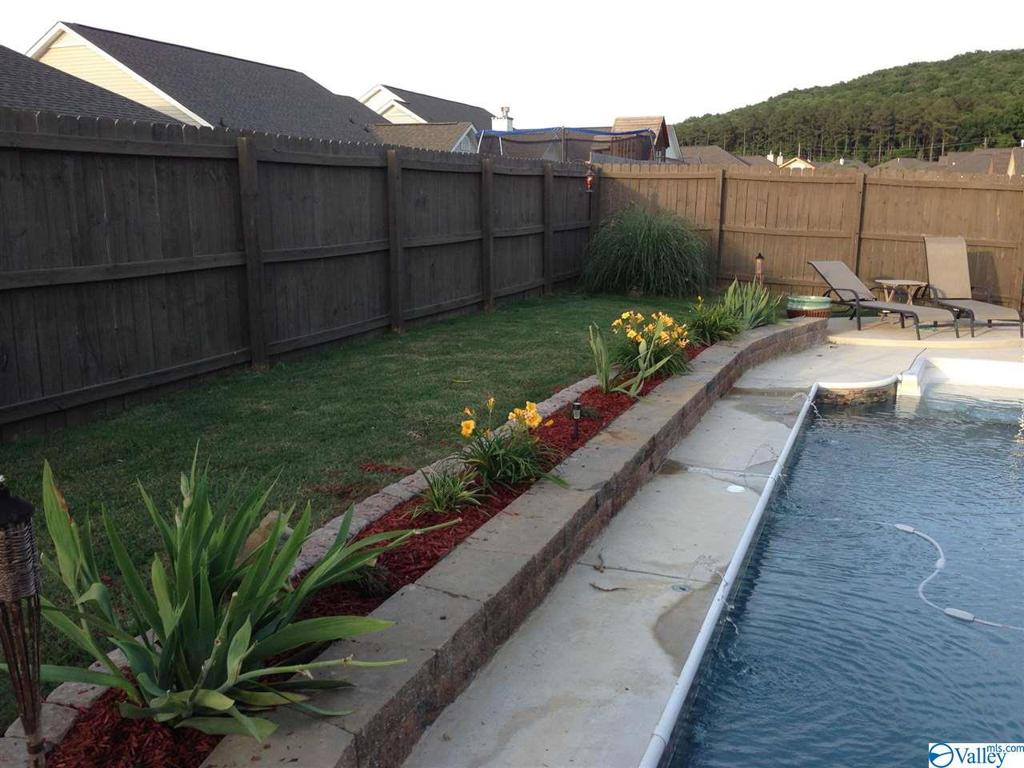 Photo of home for sale at 2612 Slate Drive SW, Huntsville AL
