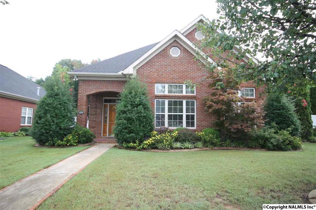 Photo of home for sale at Park Terrace, Decatur AL