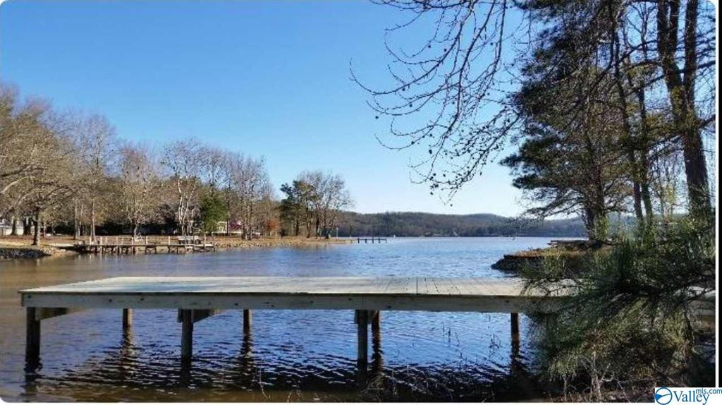 Photo of home for sale at 0 Indian Lake Drive, Rainbow City AL