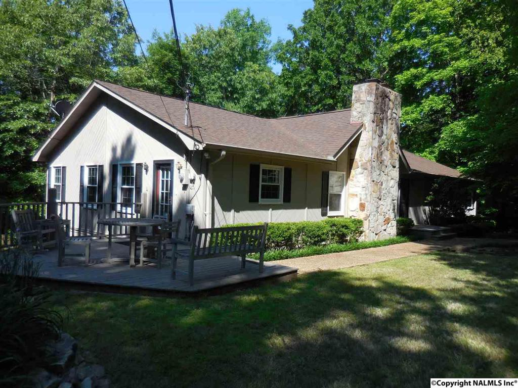 Photo of home for sale at Brown Street, Guntersville AL