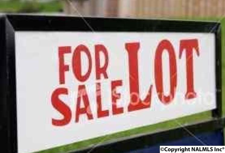Photo of home for sale at Eliza Lane, Guntersville AL