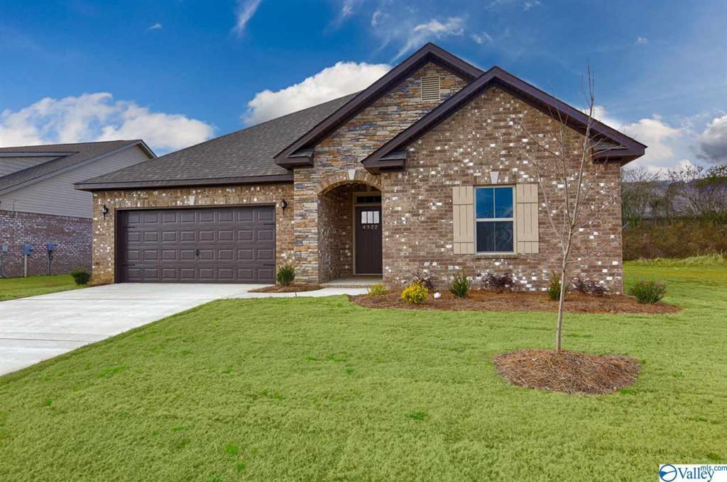 Photo of home for sale at 16311 Trestle Street, Huntsville AL