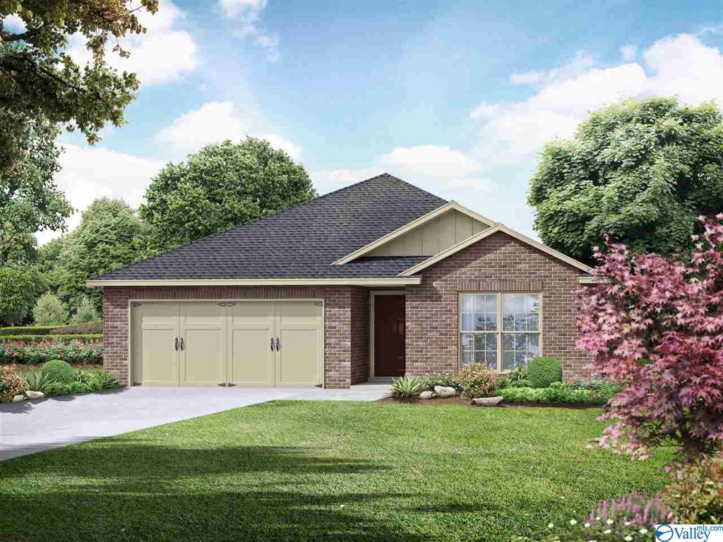 Photo of home for sale at 175 Cherry Laurel Drive, Hazel Green AL