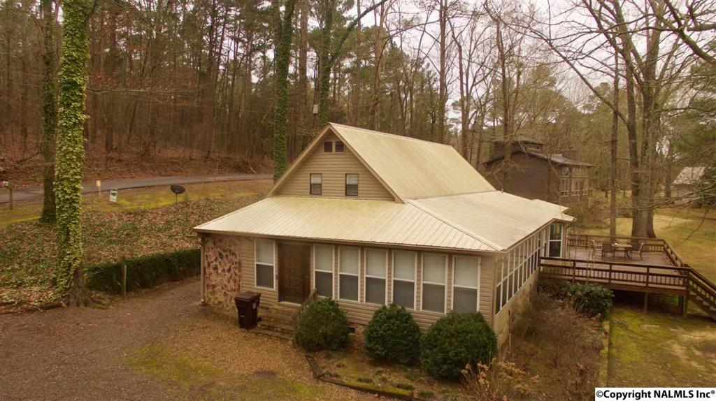 Photo of home for sale at 1628 Lakeshore Drive, Langston AL