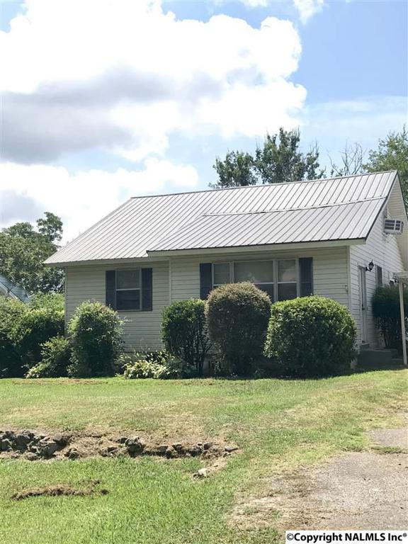 Photo of home for sale at Kershaw Street, Gadsden AL