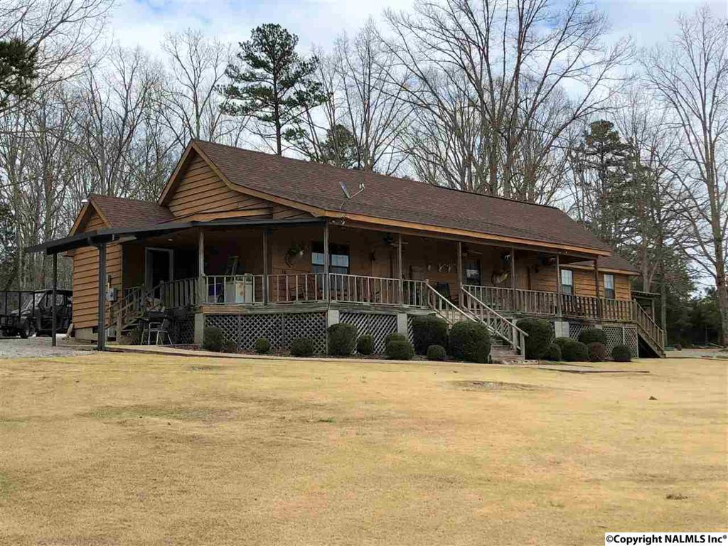 Photo of home for sale at Tower Lane, Lutts TN