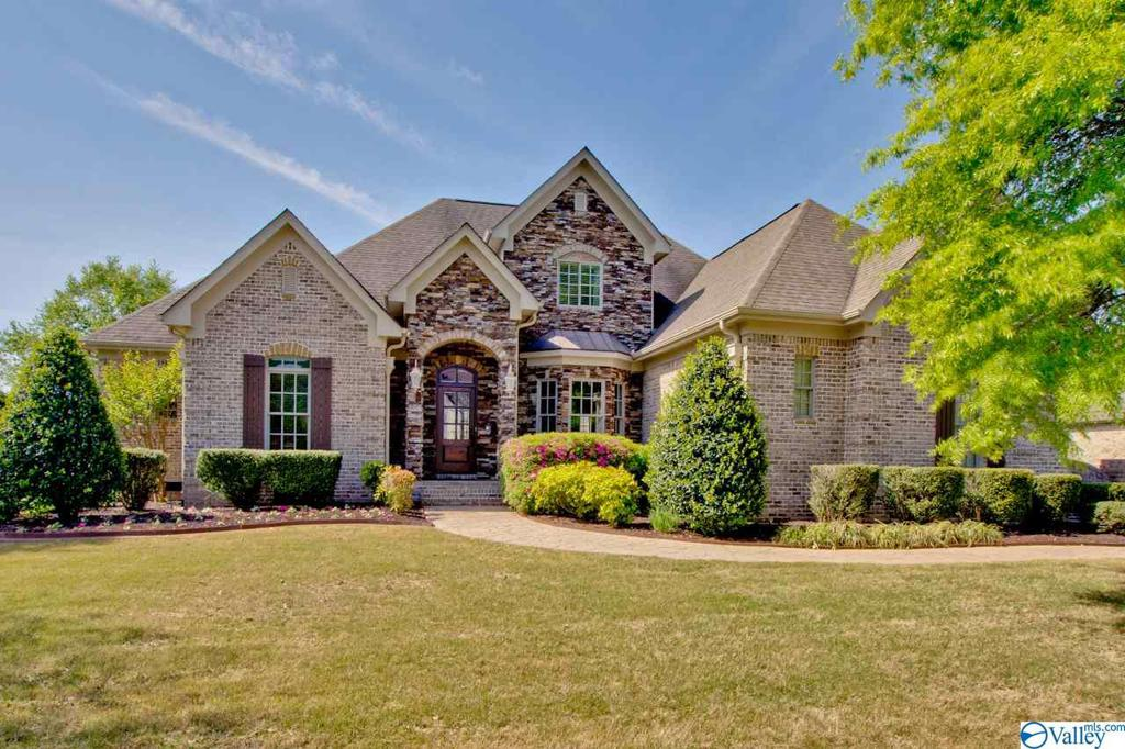 Photo of home for sale at 9 Mcmullen Lane, Gurley AL