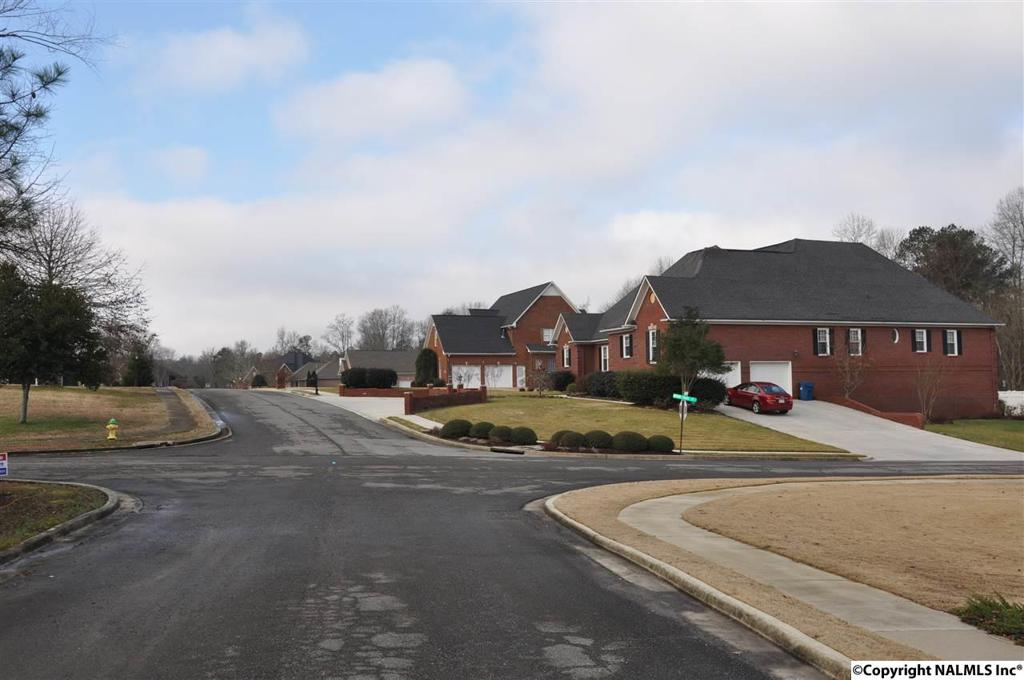 Photo of home for sale at 0 Red Oak Lane, Arab AL