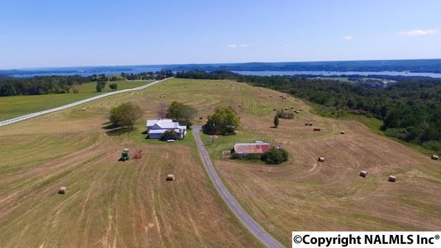Photo of home for sale at Martin Lane, Guntersville AL