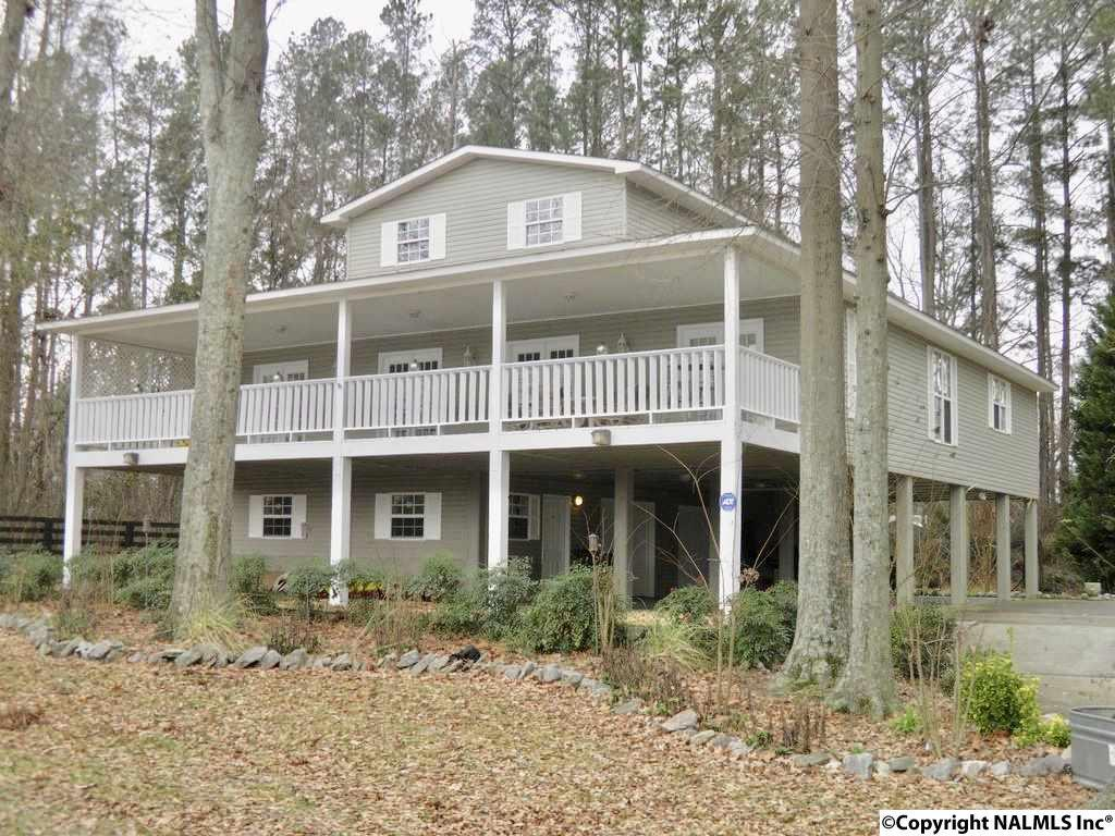 Photo of home for sale at 36 Coffee Bluff Road, Laceys Spring AL