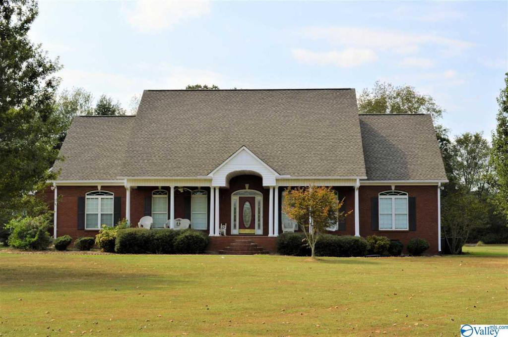 Photo of home for sale at 19155 Tammy Leigh Drive, Athens AL