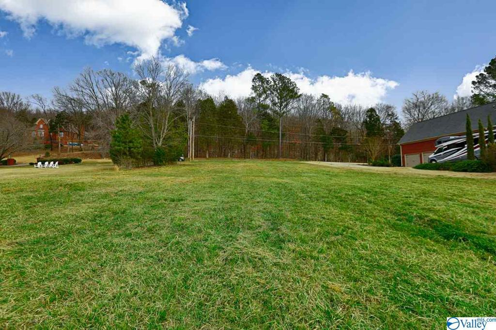 Photo of home for sale at 128 Williams And Broad Drive, Brownsboro AL