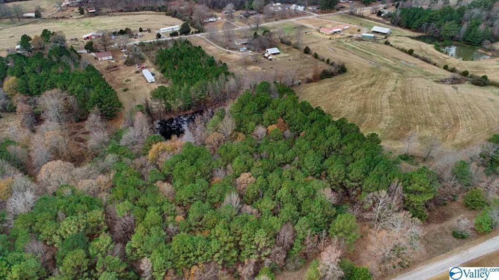 Photo of home for sale at 1470 County Road 301, Trinity AL